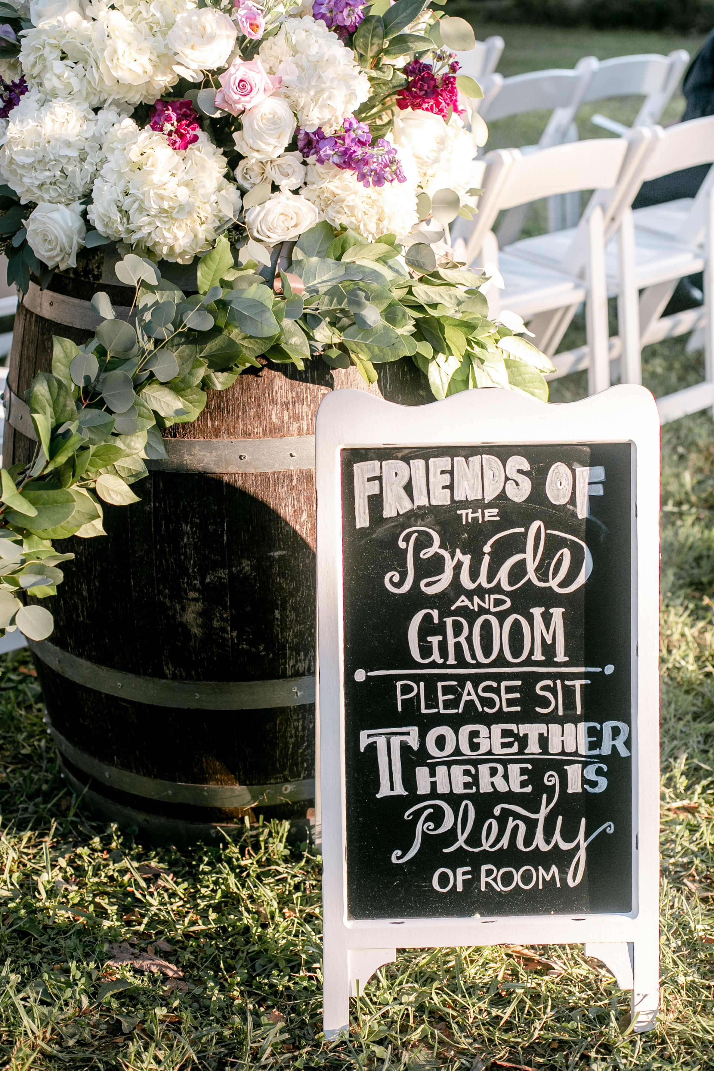 Cecile included several DIY elements in their wedding. (Image:{ }Cecilie Olaussen Photography)