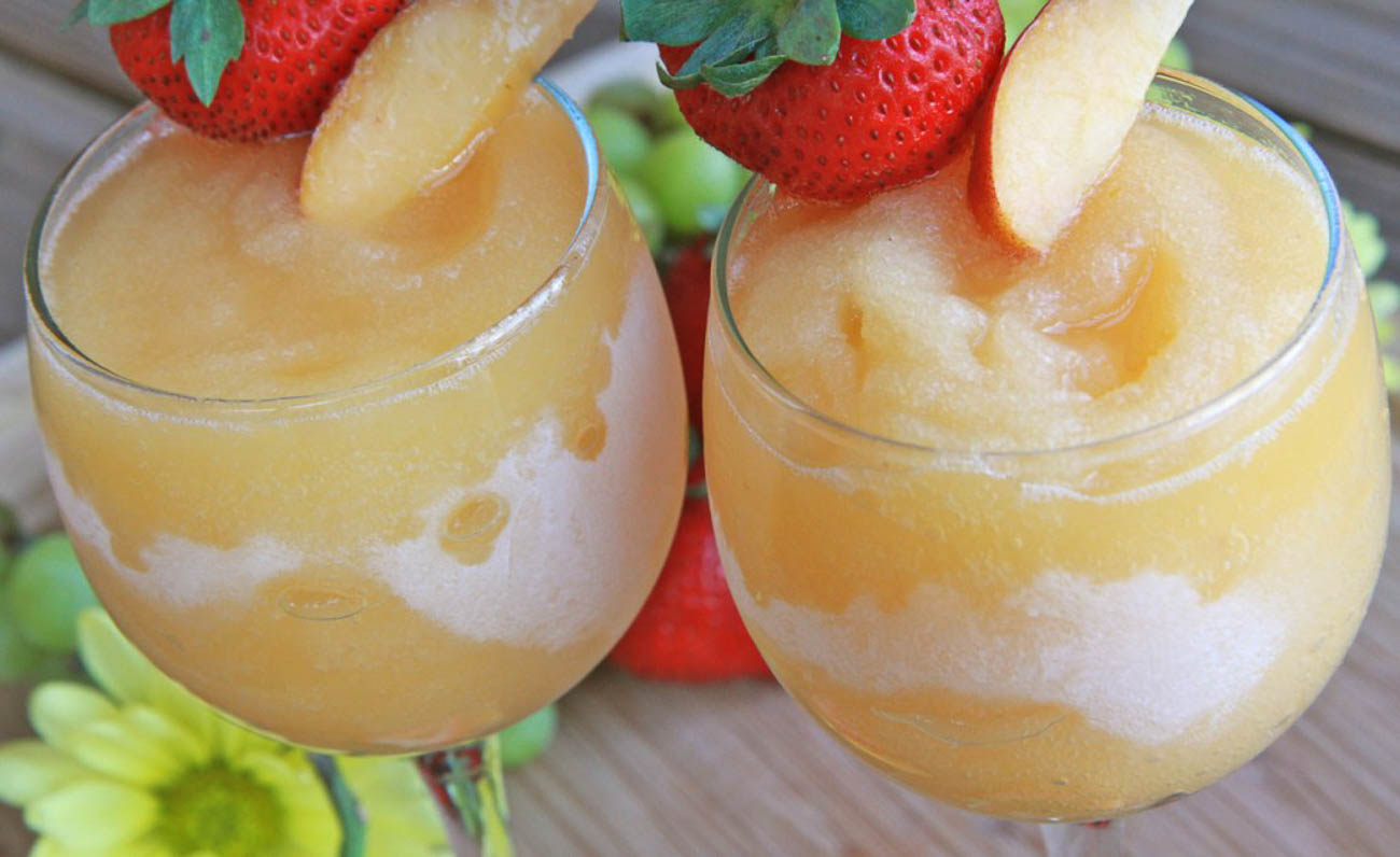 Peach wine slushie{ }/ Image courtesy of Jane's Saddlebag // Published: 4.16.19