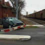 Battle Creek woman narrowly escapes after car stalls on train tracks