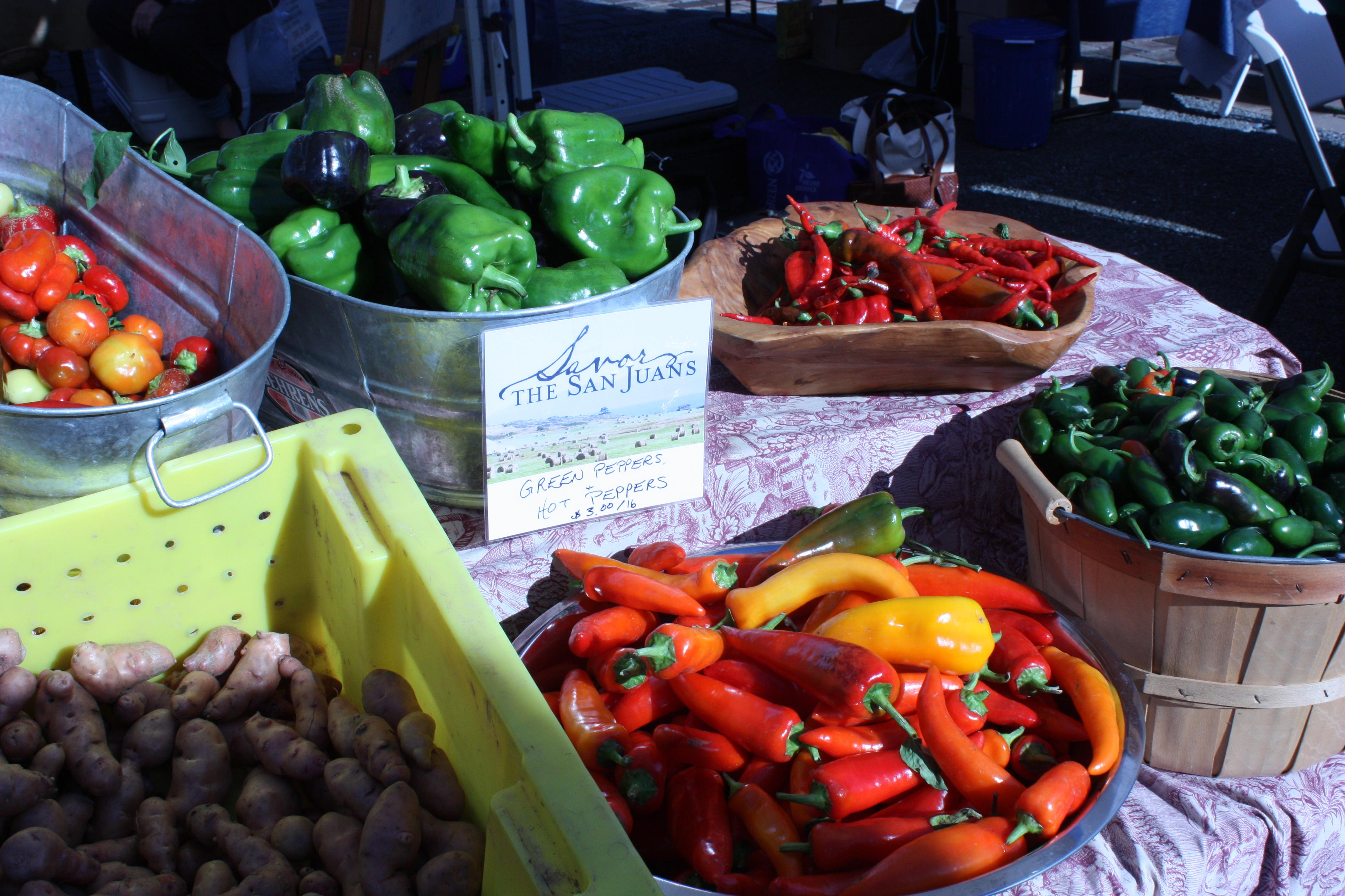 San Juan Island Farmers Market. Photo courtesy of the San Juan Islands Visitors Bureau.