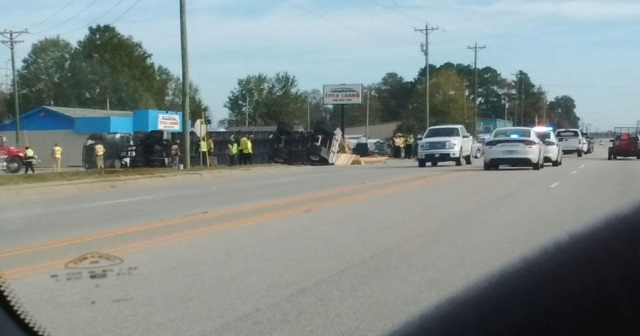 18 wheeler overturns, spills plywood along Bennettsville road, (Viewer submitted photo)<p></p>