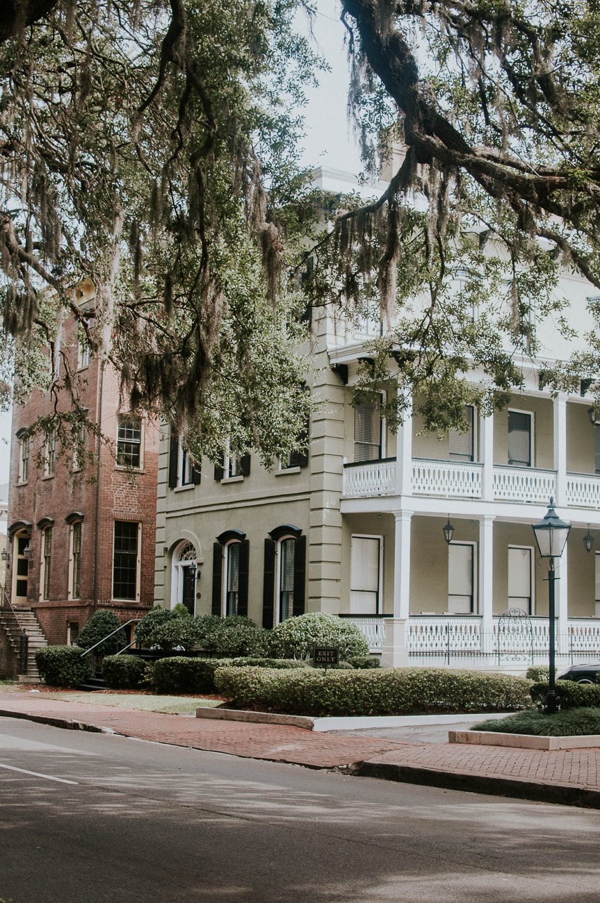 One of the best activities in Savannah is simply walking around the Historic District to admire the architecture and Southern charm of the city. / Image: Jessica Furtney on Unsplash // Published: 3.8.19
