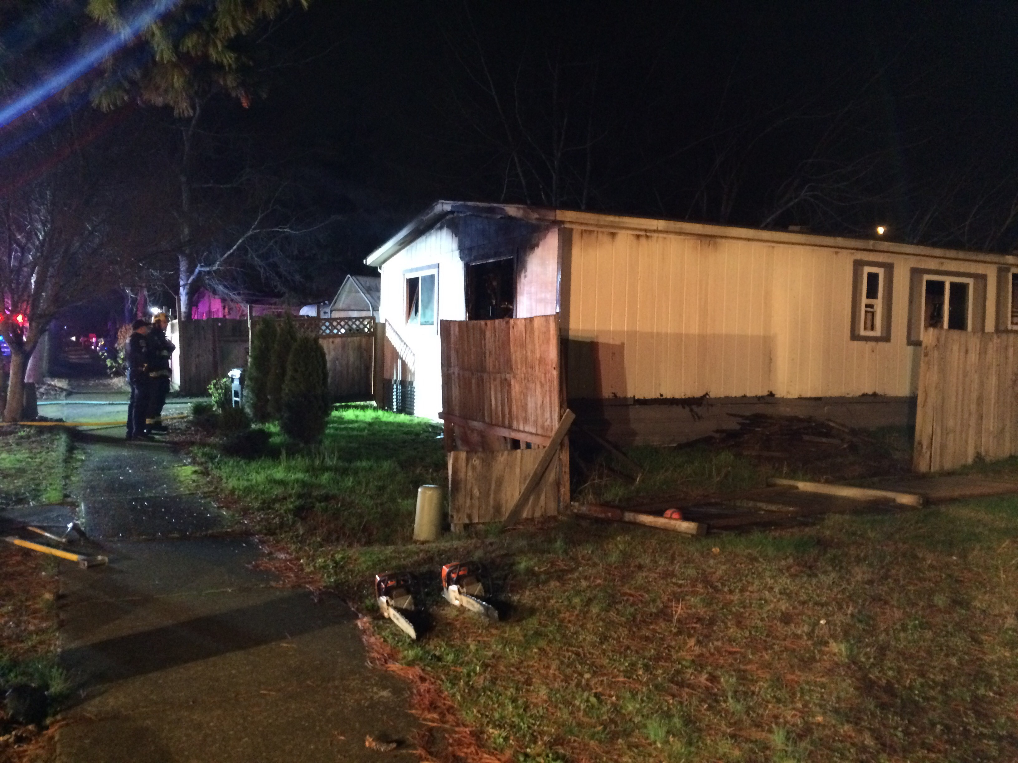 A house fire broke out in the 5400 block of Fergus Avenue in west Eugene, Dec. 28, 2017. (SBG)