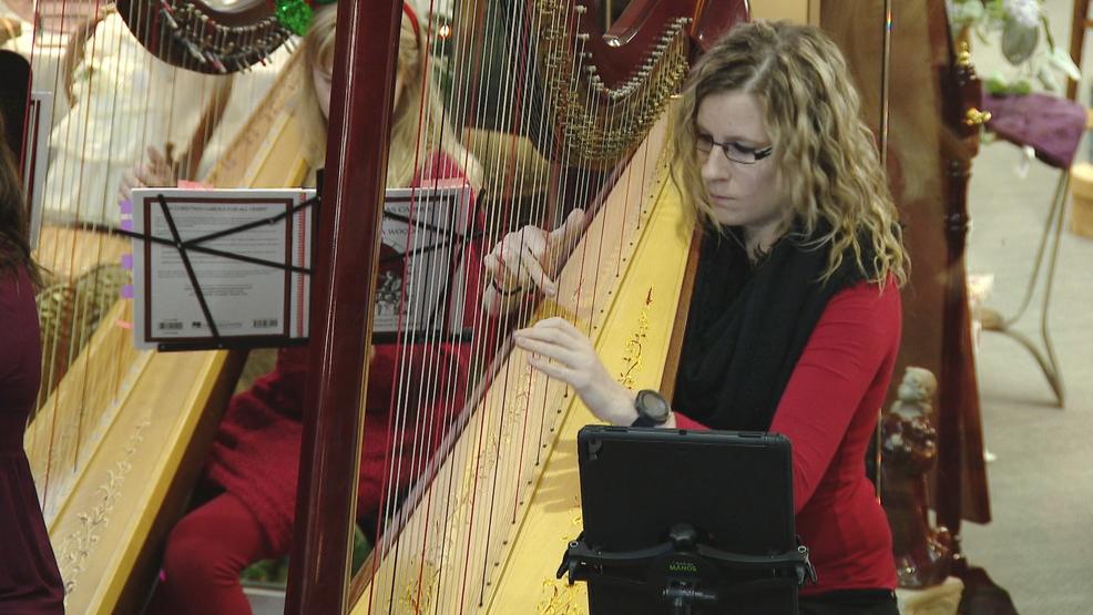 Harp music fills Appleton mall   WLUK