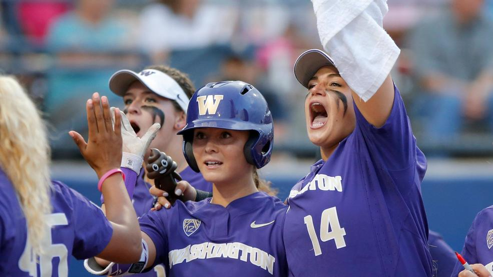 Washington beats UCLA 1-0, advances to WCWS semifinals