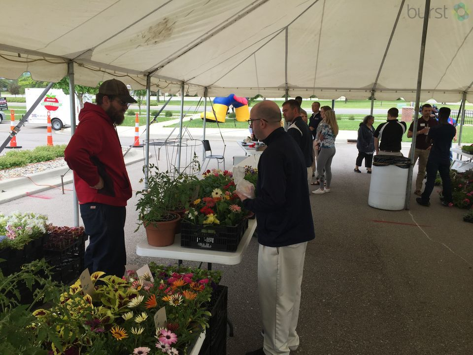 The Cardinal Square Farmers' Market is a new collaboration between SVSU and Kochville Township to support local farmers and local businesses and to bring students and the community more fresh food options. (Photo: Mike Horne/WEYI/WSMH)