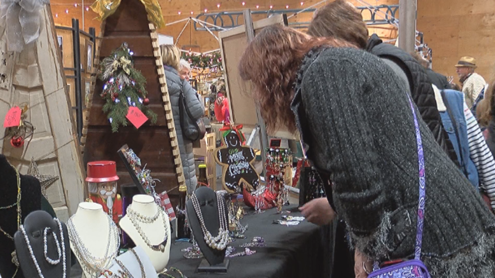 nearly 3 000 people turnout for 13th annual mighty tieton bazaar kima