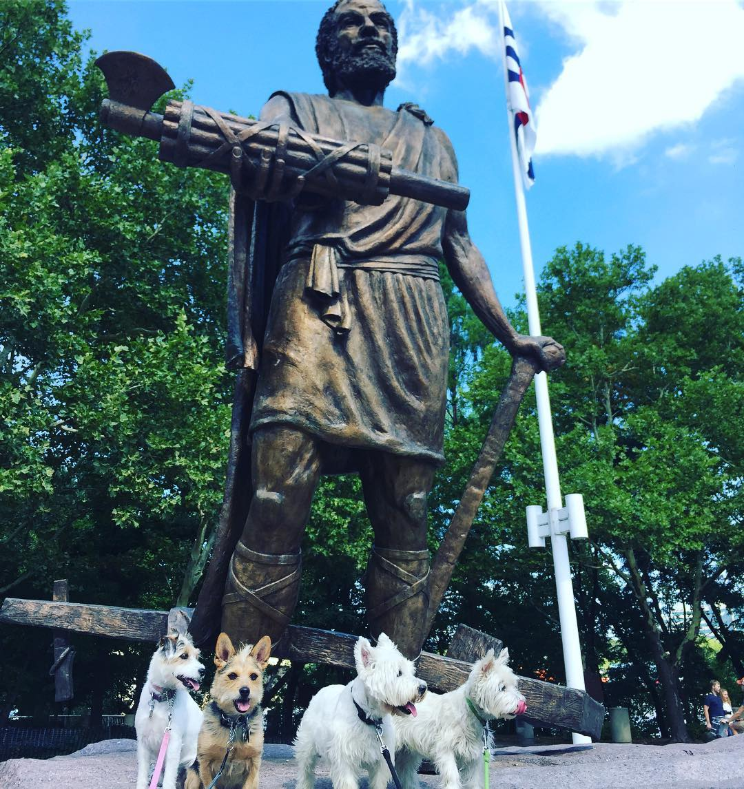 Post: Cincinnatus made some friends today / Image: IG user @cincyrefined // Published: 7.20.17