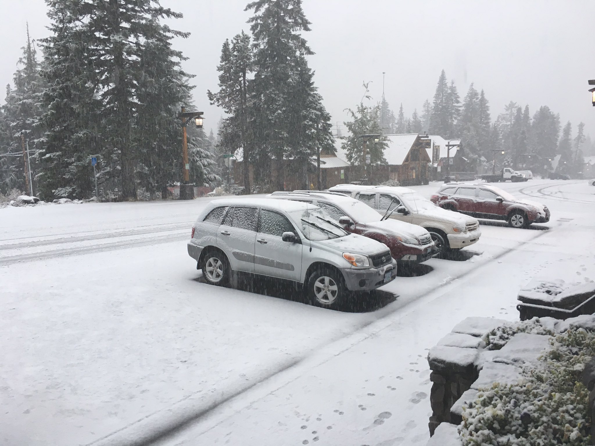 Snow at Timberline Lodge on Oct. 12, 2017 (SBG photo)