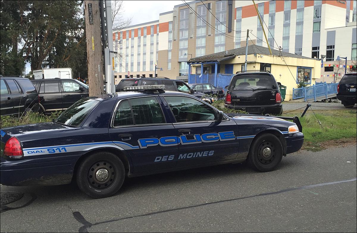 police customer at des moines used car lot finds body inside van for sale komo. Black Bedroom Furniture Sets. Home Design Ideas