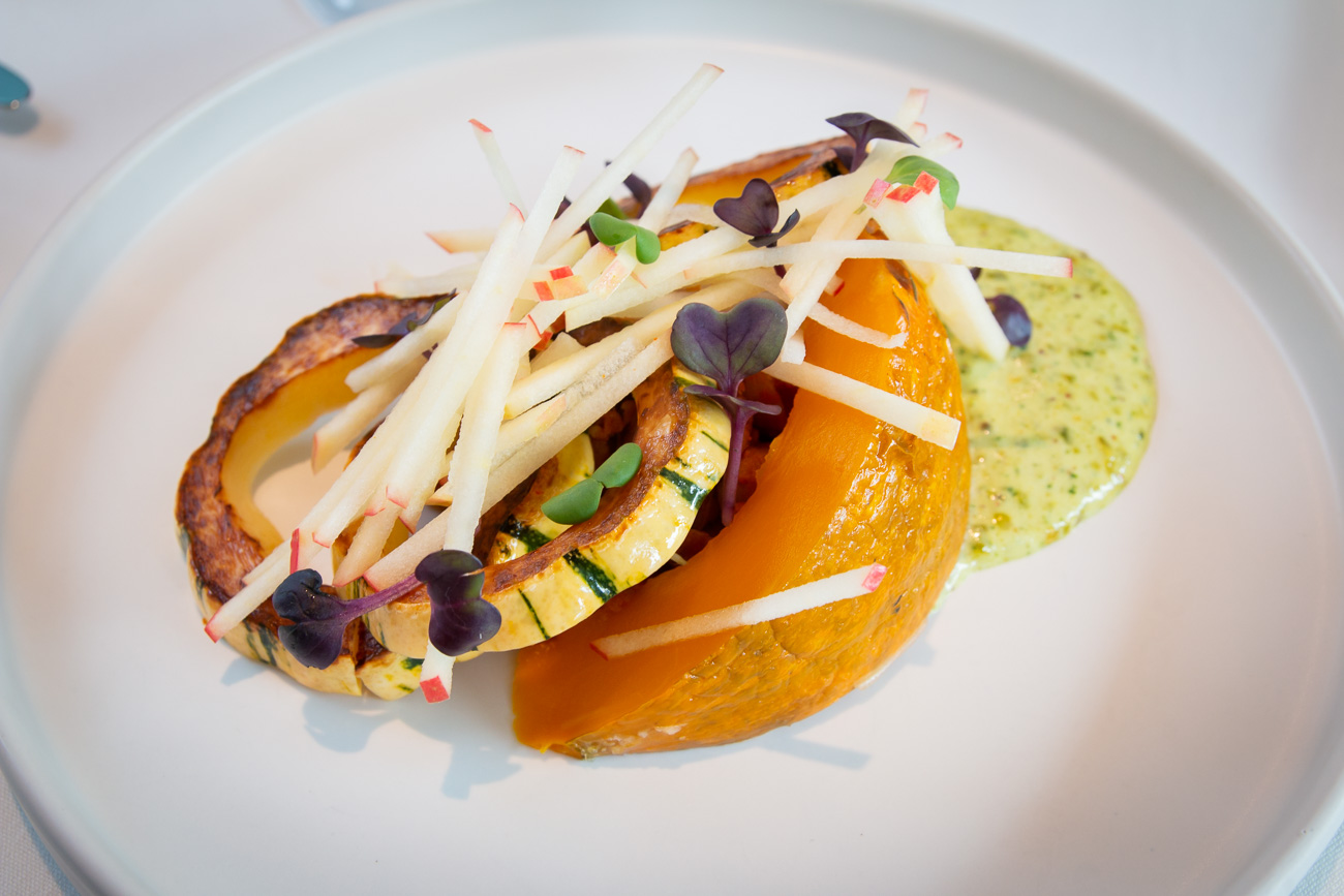 Heirloom Squash Delicata: soshiki, sugar pumpkin, honeycrisp apple, Roothouse Farms Radish, nasturtium, and Tennessee Buttermilk Ranch / Image: Elizabeth A. Lowry // Published: 11.9.20