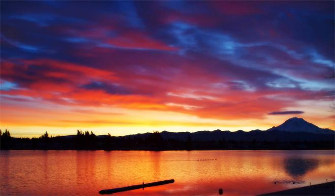Sunrise in Lake Tapps (Photo: Marisa Maestas Goff)