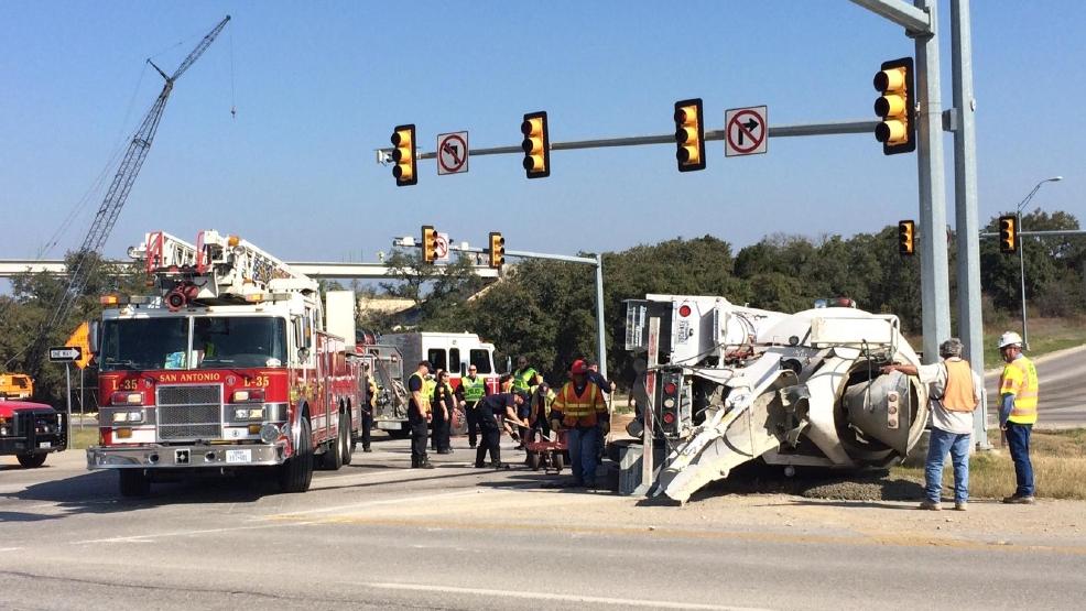 Accident closes Loop 1604 at Highway 151 | KABB