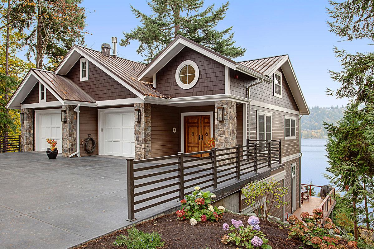 This West Lake Sammamish Parkway project was completed by Lavallee Construction and cost $2.0 million.   (Image: West Lake Sammamish Parkway / Porch.com)