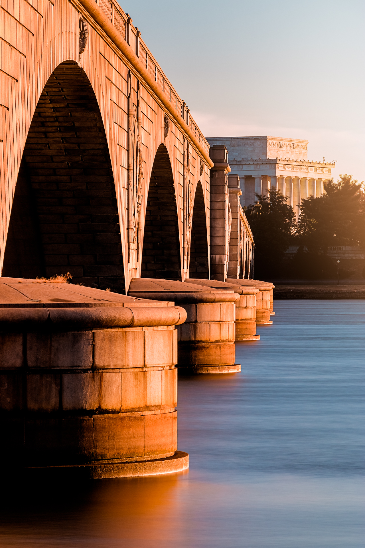 Neo-Classical Undulations – Lincoln and the Memorial Bridge Compressed into one shot(Image: Zack Lewkowicz)<p></p>