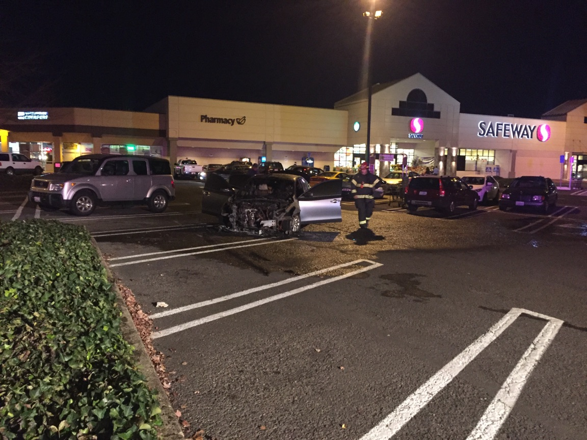 Car Fire Sparked In Safeway Parking Lot Kval