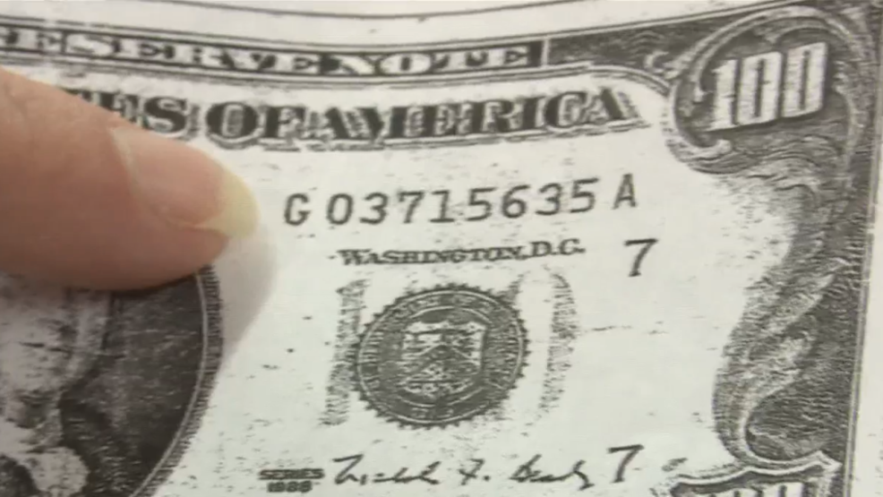 Thieves get away with cash while passing fake $100 bills in