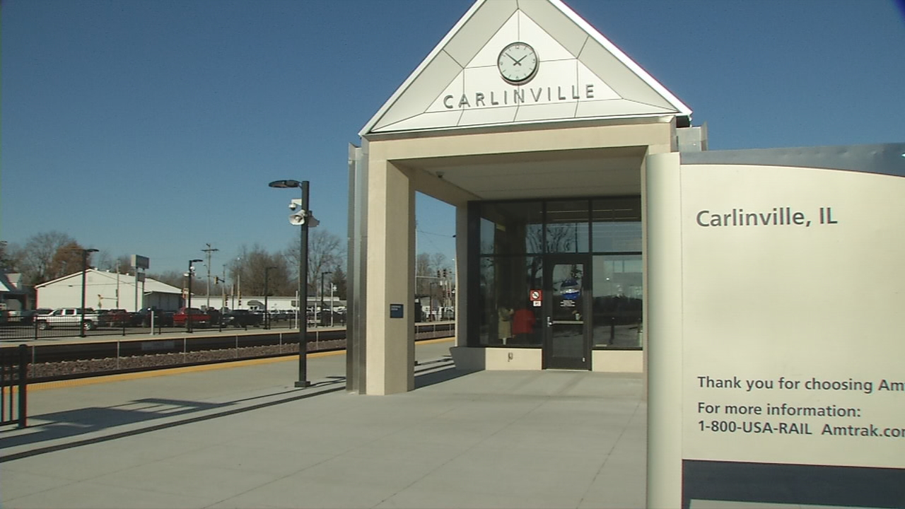 Residents in Carlinville have a new way to travel in the form of a new Amtrak station. (WRSP)