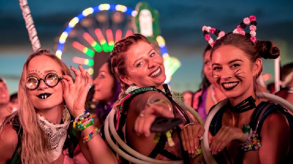 EDC Day One: 135K attend, 22 felony drug arrests