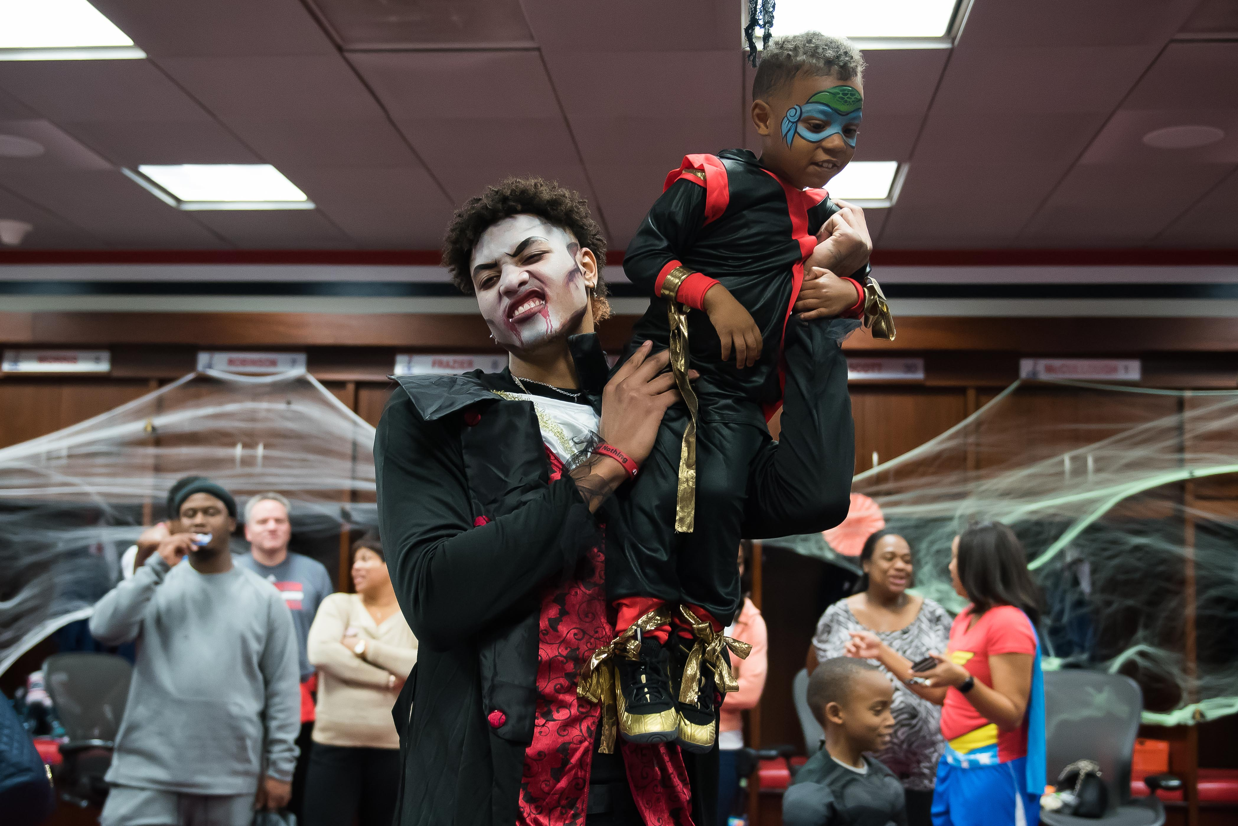 "Pumpkins and basketballs and Wizards ... OH MY!{ }Washington Wizards players Kelly Oubre Jr. and Mike Scott hosted the team's annual Halloween party and it could not have been cuter! The kids, ages 6-12 from Dreams for Kids and the Wizards Kid's Club, got to ""trick or treat"" in the Wizards locker room as they showed off their best costumes. The Wizards Girls and G-Wiz joined the guys, who were dressed as characters from Goodnight Goon by Michael Rex and Pete the Cat: Trick or Pete by James Dean. Is it wrong to add this party to my ""list of reasons to have children?"" (Image: Joy Asico)"