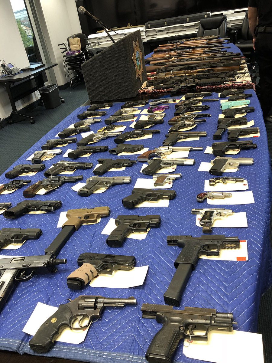 Confiscated guns on display at Fresno Police Headquarters (FOX26)<p></p>