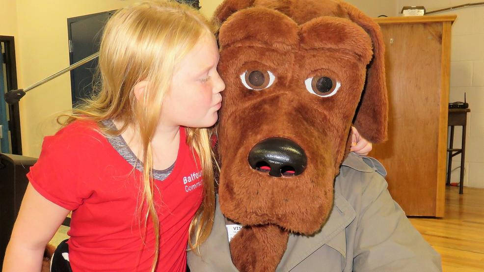 mcgruff the crime dog visiting lowcountry schools during red ribbon
