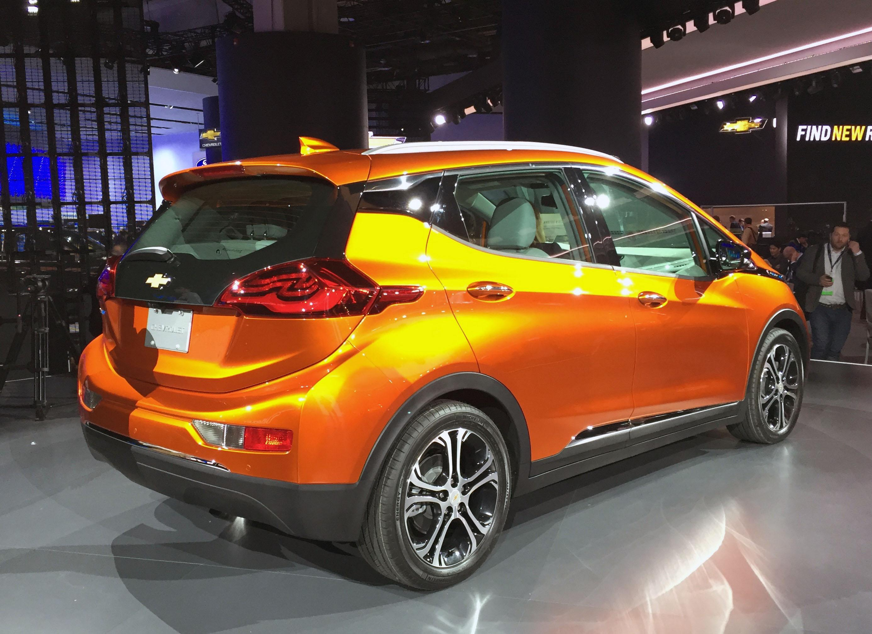 2017 Chevrolet Bolt (Photo by Jill Ciminillo)