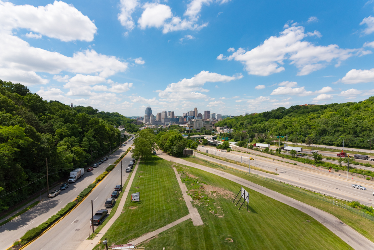 Apartments on the south side of the building share a panoramic view of Downtown Cincinnati. // Published: 6.15.17