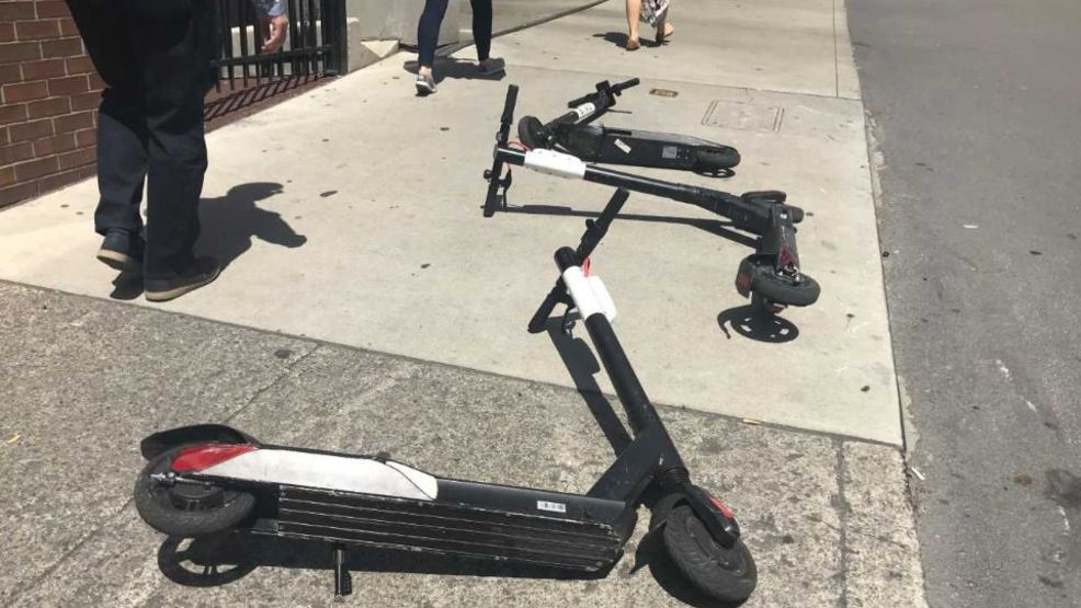 Mayor Briley puts electric scooters in Nashville on 30-day notice