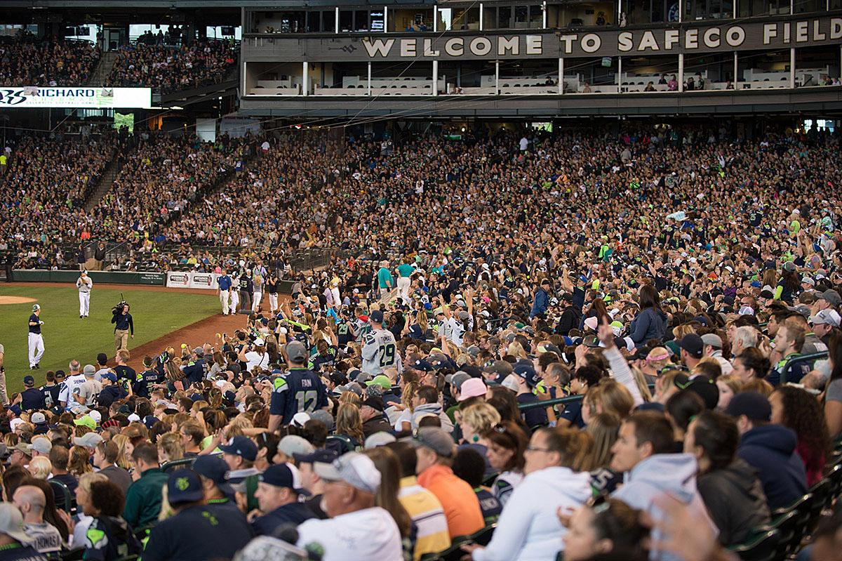 Team Richard Sherman beat Team Russell Wilson yesterday 19-17 in the 2nd Annual Richard Sherman Celebrity Softball game at Safeco Field. Kobe Bryant, Gary Payton, Shawn Kemp, Nate Robinson, Macklemore and almost half the Seahawks roster joined Wilson, Sherman and over 22,000 fans at the game. Proceeds of ticket sales from the game are going towards charity. Lawyer Milloy's three home-runs earned him MVP of the game. (Image: Chona Kasinger / Seattle Refined)