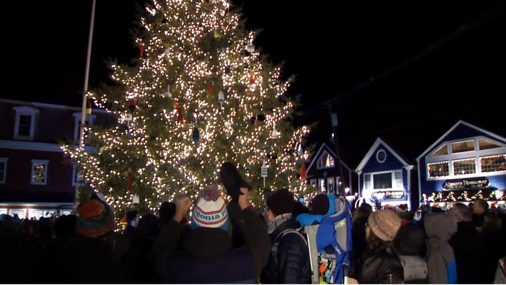 Kennebunkport Christmas Prelude 2019.Christmas Prelude Delights Visitors In Kennebunkport Wgme