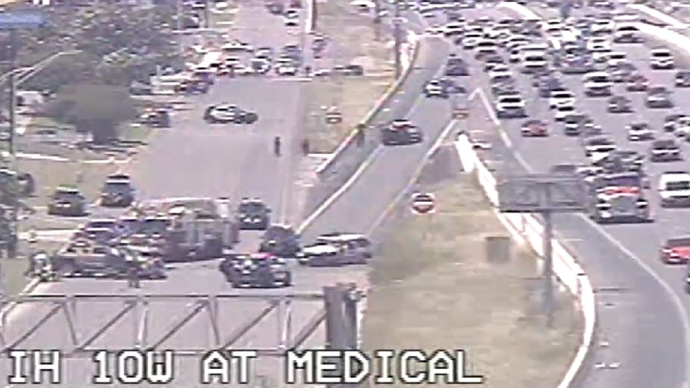 BREAKING: Major accident shuts down I-10 W access road at