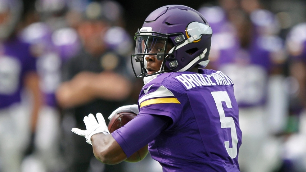 Vikings Qb Bridgewater Goes Down In Practice With Injury