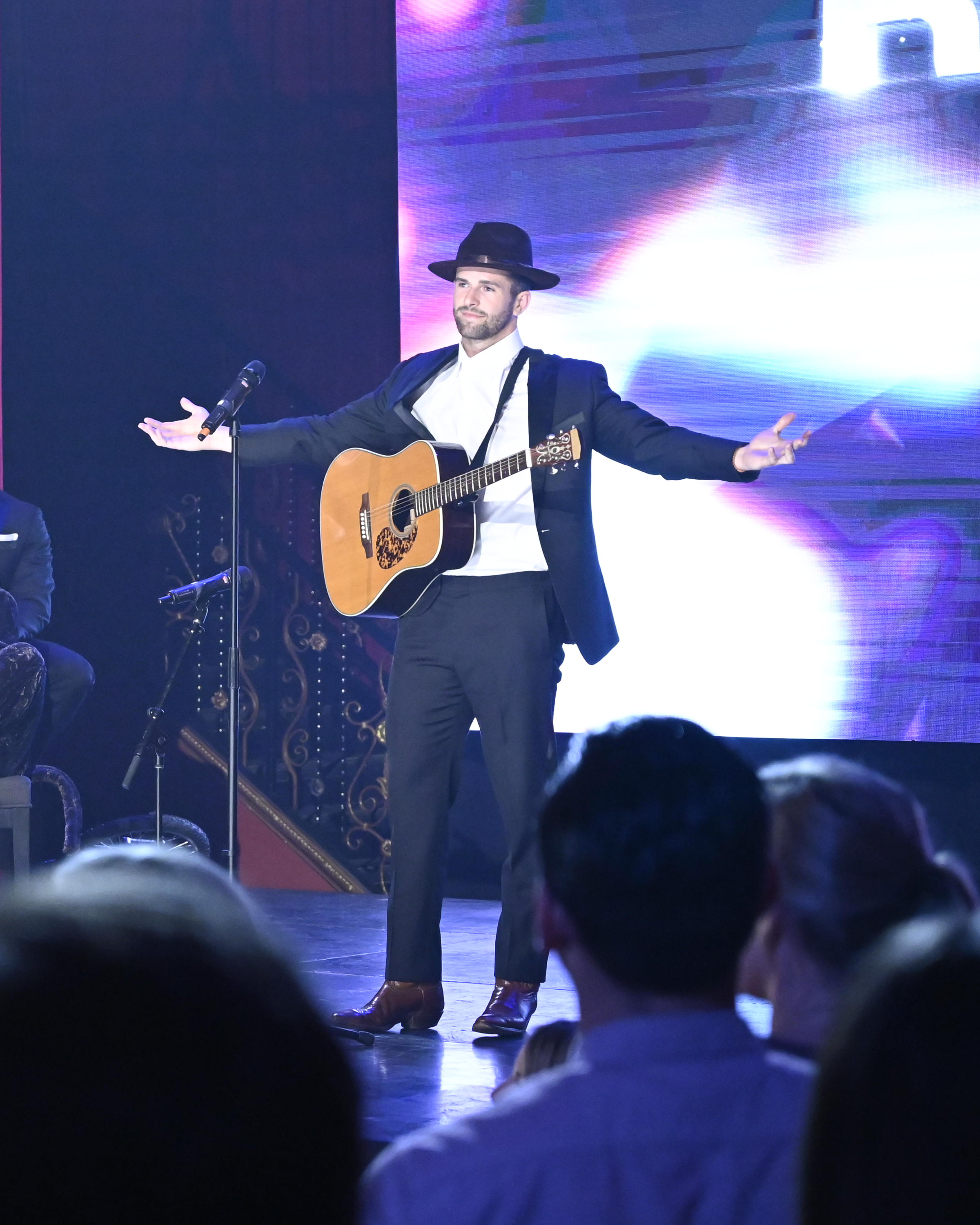 And of course, Jed the singer/songwriter would have to take advantage of any opportunity on a stage! He has a brand to grow after all. But is he only there for brand growth, or is there for the right reasons? We will just have to keep tuning in to season 15 to find out! (Image: John Fleenor/ ABC)