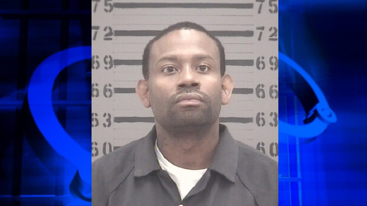 The Albany-Dougherty Drug Unit arrested 33-year-old Mario Burns after finding more than $13,000 worth of drugs and money in home on the 1900 block of Stuart Avenue. / Photo: MGN Online & Dougherty County Jail