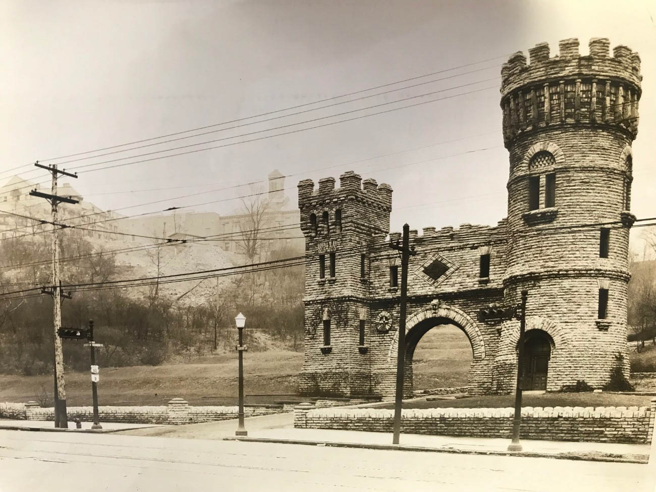 Elsinore Arch was added to the National Register of Historic Places in 1980. / Image courtesy of Parks Bettman Library Archive // Published: 4.12.19
