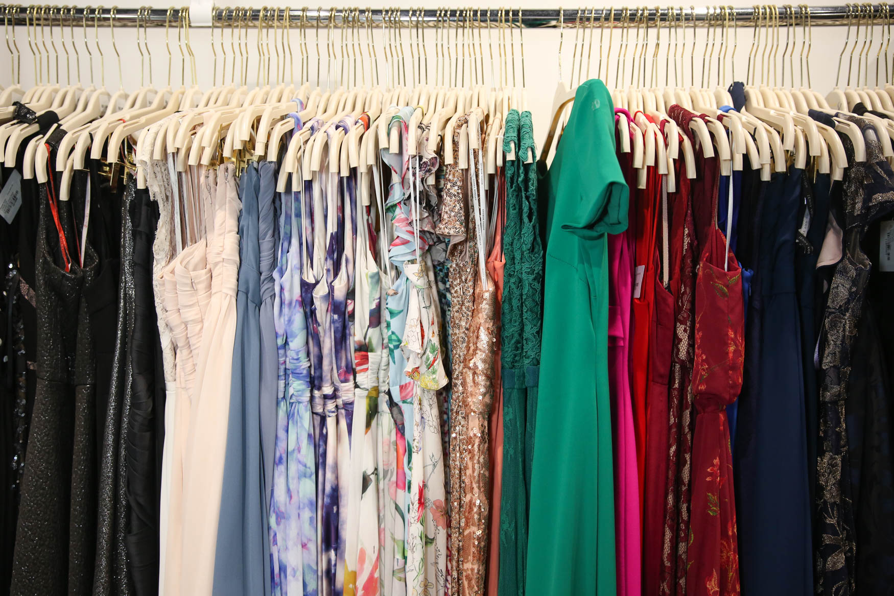 Rent the Runway is hosting a sample sale at a pop up location in Cady's Alley from Thursday, December 13 to  Friday, December 22. The sale will include everything from gowns to bomber jackets, all of which are available at steep discounts. The clothes and accessories that are up for grabs have been rented before,  but most of the garments have minimal wear and tear. For every item sold, Rent the Runway will donate $1 to Dress for Success. The deals are definitely going to go fast and doors open at 8 a.m., so be sure to get there early to snag the best buys. (Amanda Andrade-Rhoades)