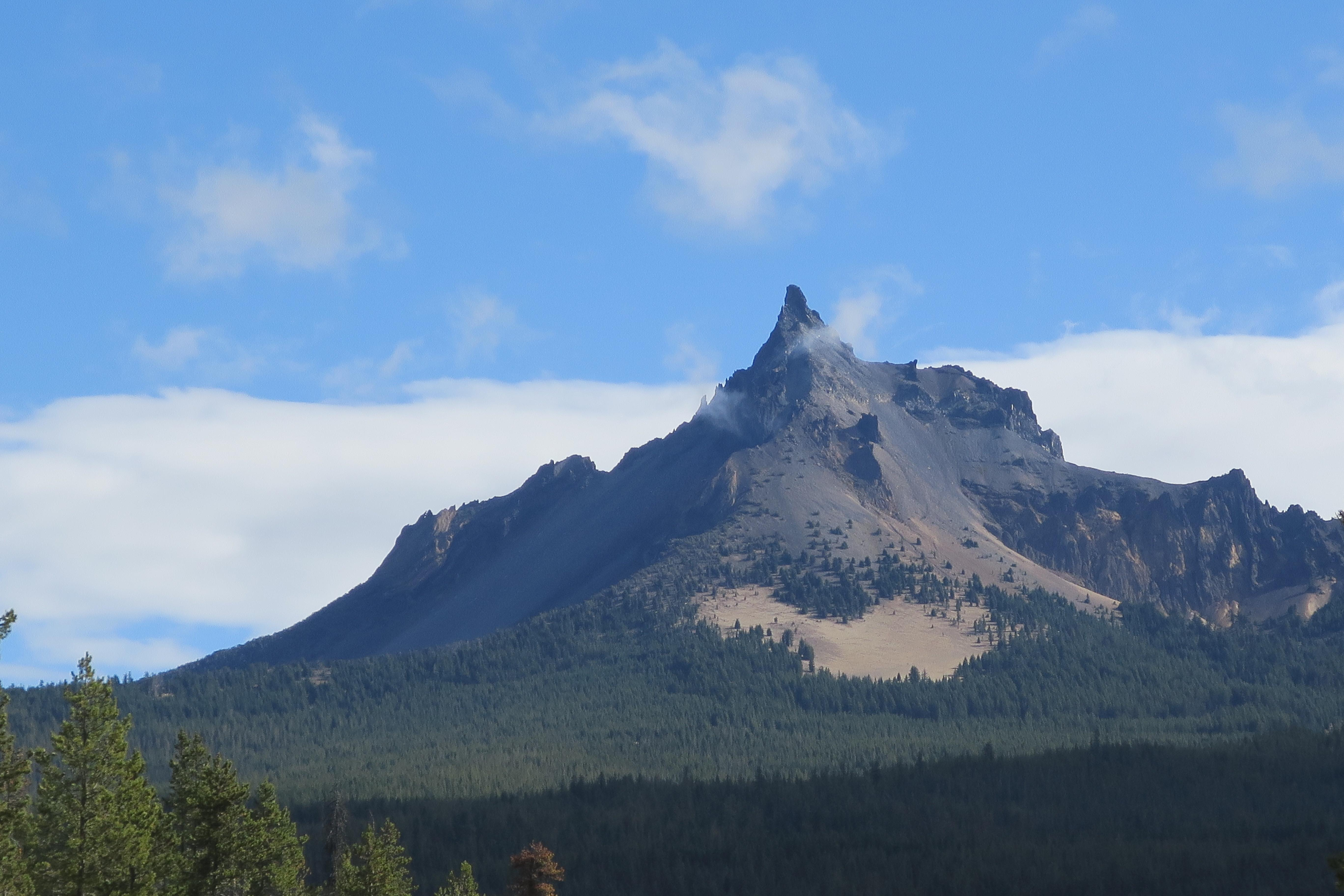 Mount Thielsen looms tall from the Mount Tipsoo Trail viewpoint. Photo by Lee Juillerat