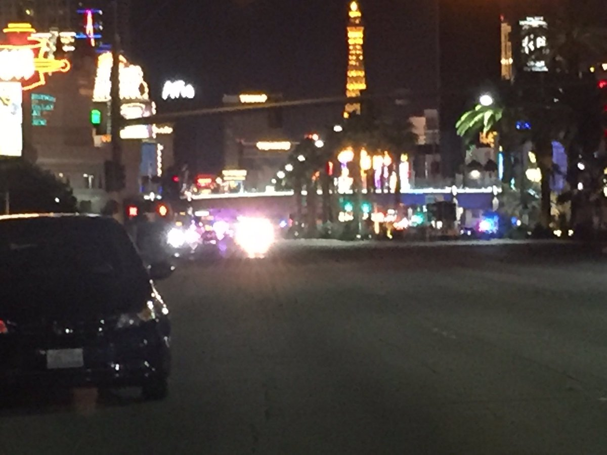 Several DHSgov vehicles arriving in the area of @MandalayBay (Craig Fiegener)