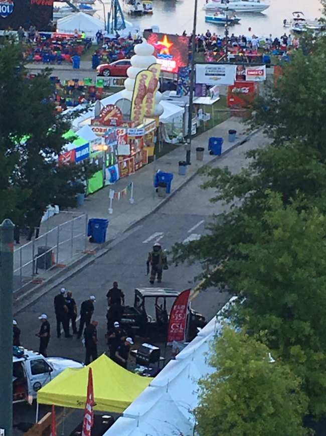 CPD Bomb Squad called in. (Image: Chris Loope)