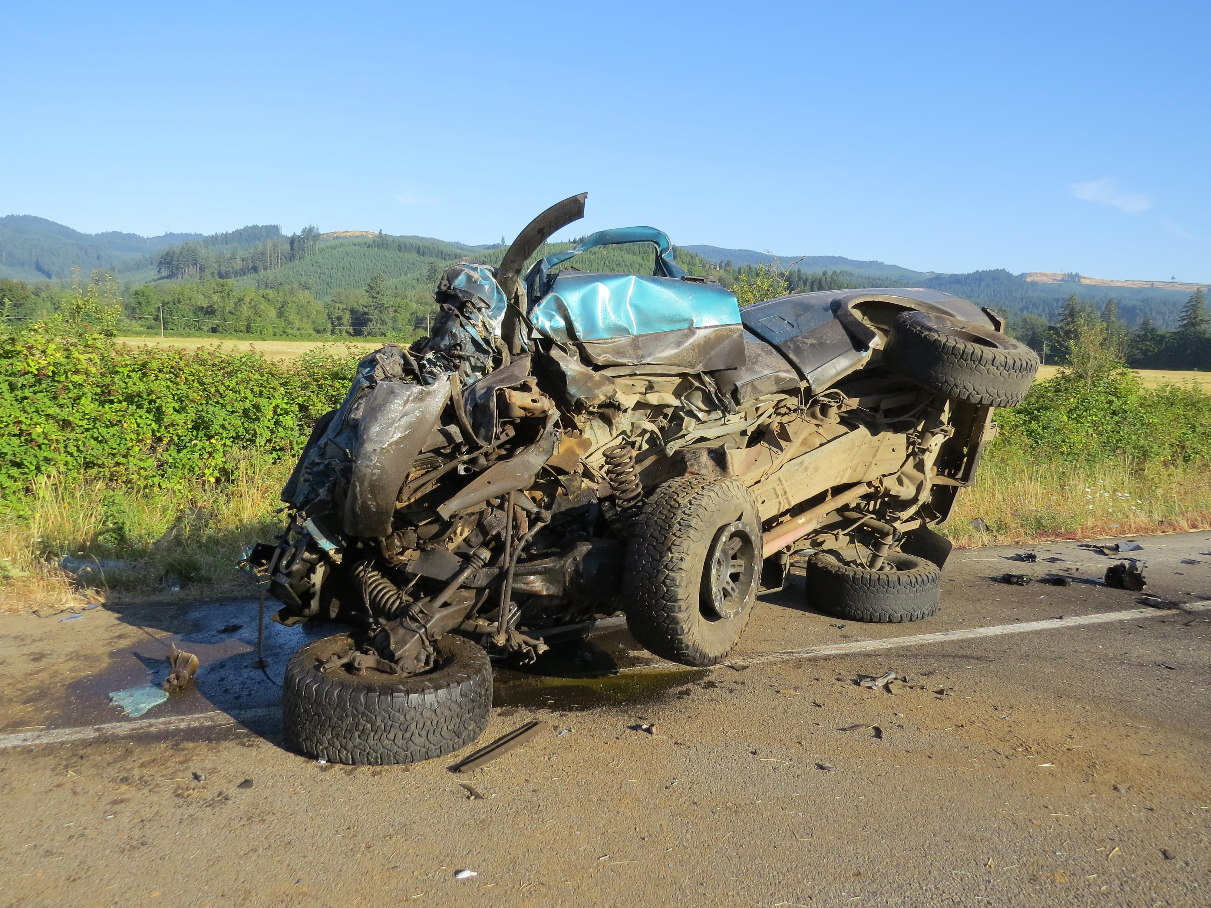 A Turner man died in a crash in Lane County, August 5, 2017. (OSP photo)