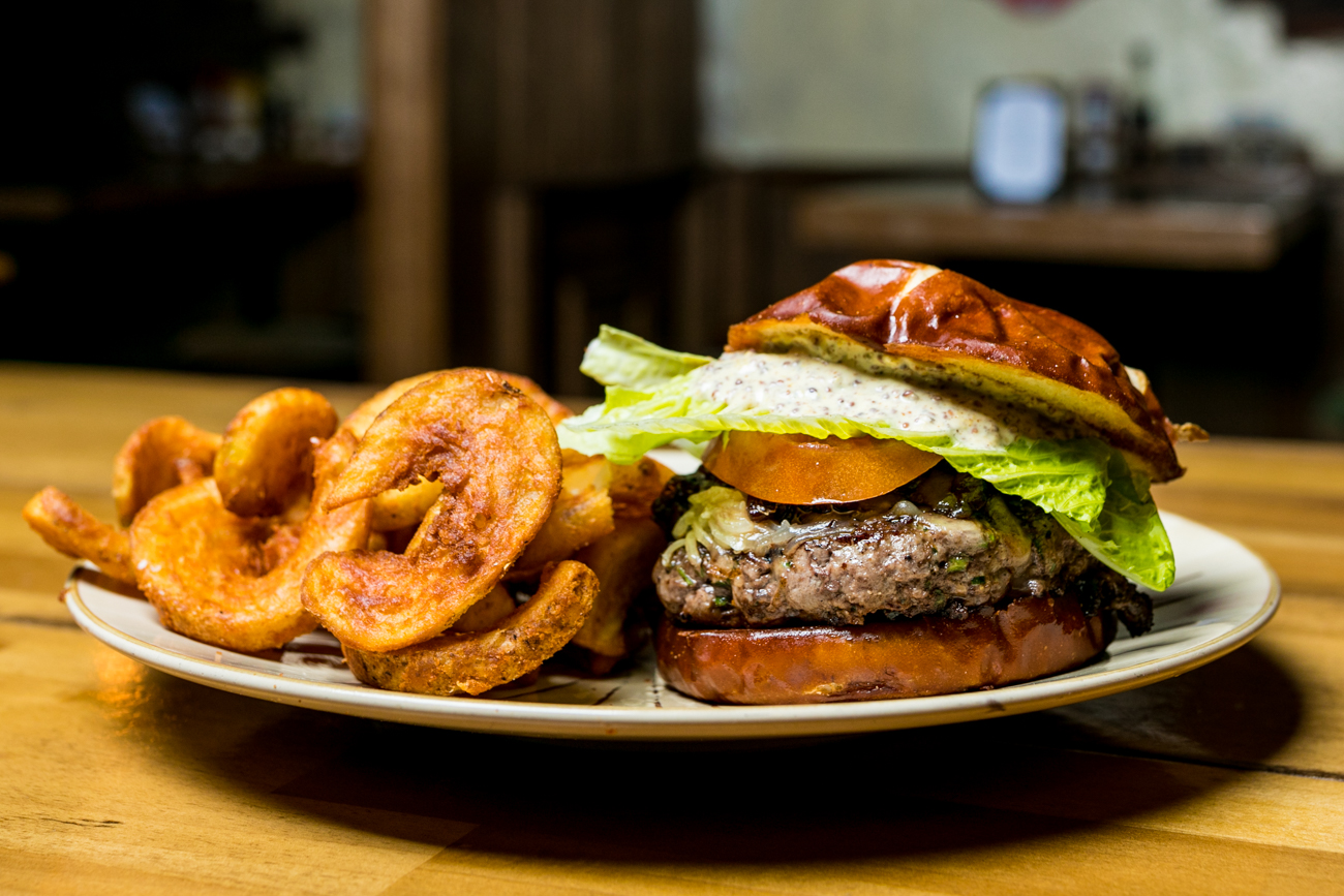 <p>The Briogaid Burger: 6 ounces of certified Angus beef grind, Irish cheddar cheese, lettuce, tomato, onion, and mustard-mayo served on a Brioche bun with Irish potato chips / Image: Amy Elisabeth Spasoff // Published: 4.29.19<br></p>