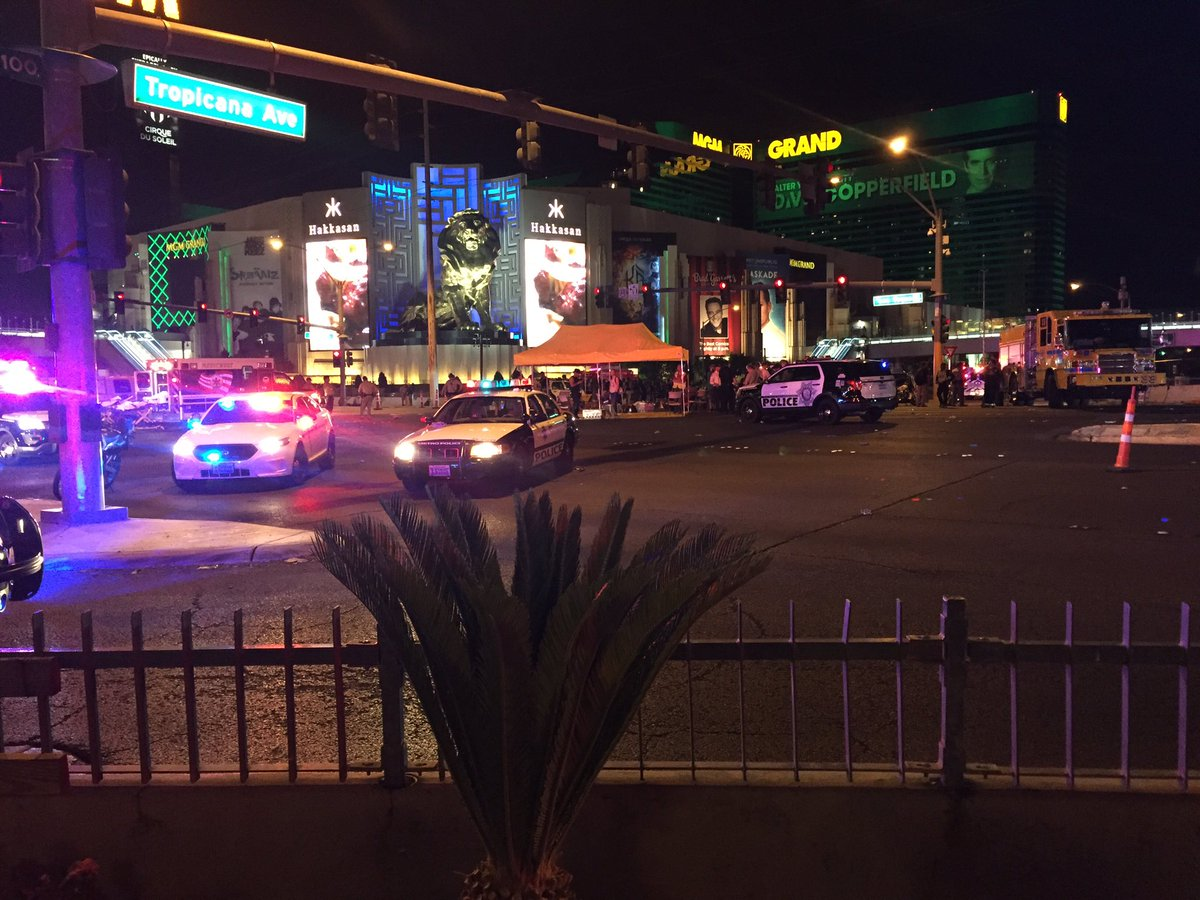 A triage tent at the intersection at #LasVegas Blvd and Tropicana (Craig Fiegener | KSNV)
