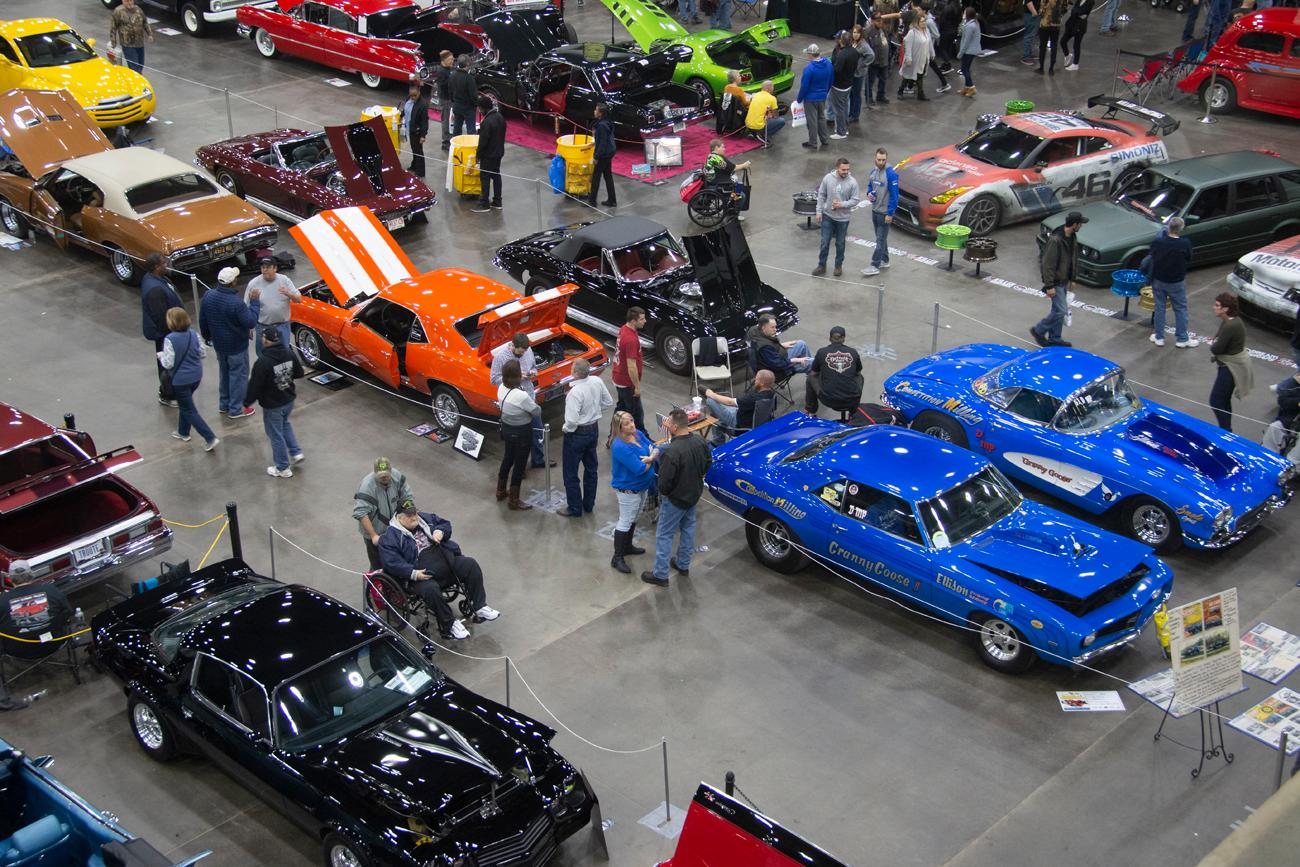 Cavalcade Of Customs >> Downtown Hosted A Cavalcade Of Custom Cars This Weekend Cincinnati