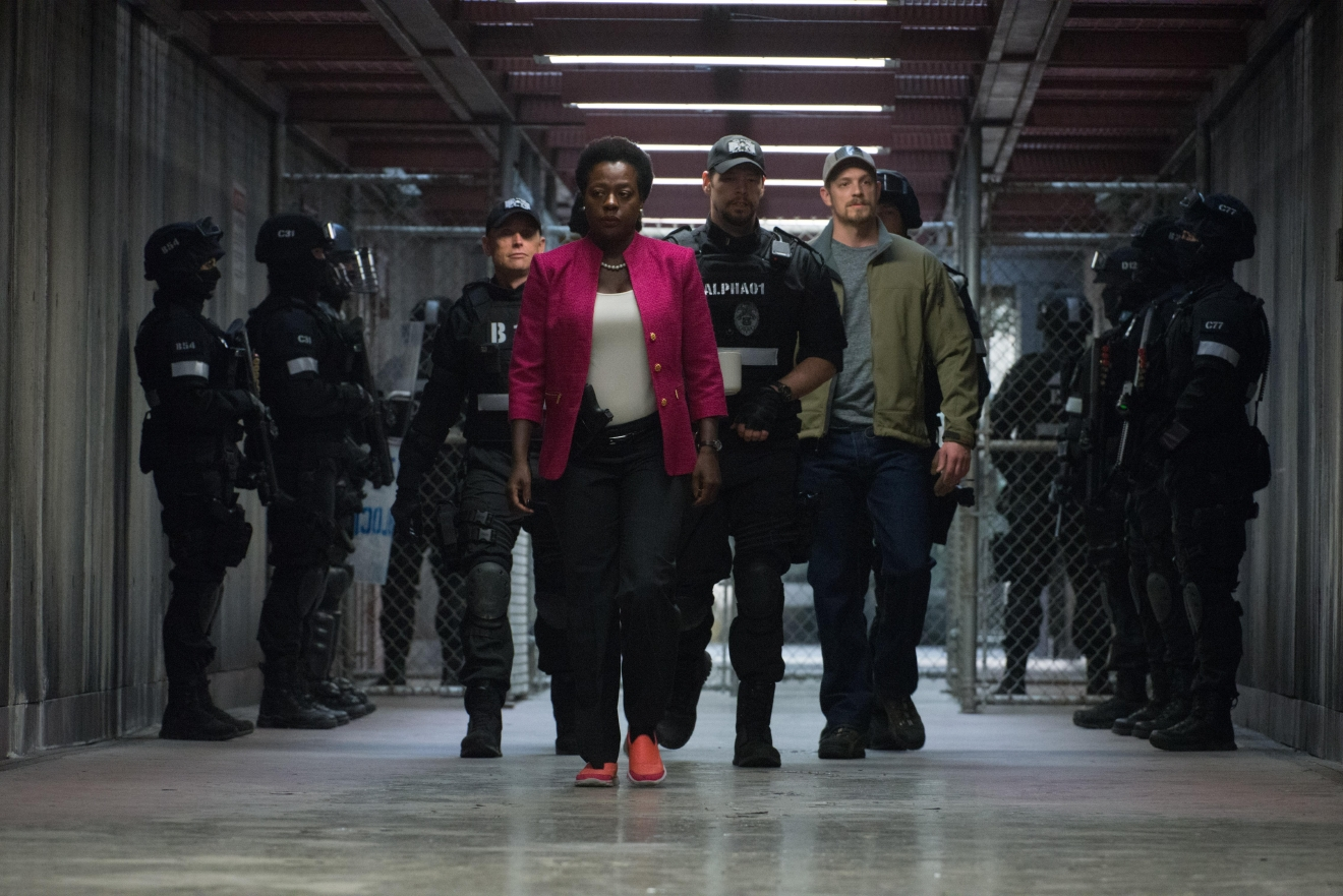 "(Center-r) VIOLA DAVIS as Amanda Waller, IKE BARINHOLTZ as Griggs and JOEL KINNAMAN as Rick Flag in Warner Bros. Pictures' action adventure ""SUICIDE SQUAD,"" a Warner Bros. Pictures release."