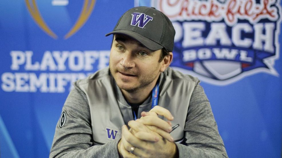 636187112438959217-ap-washington-playoff-peach-bowl-football-87623292.jpg