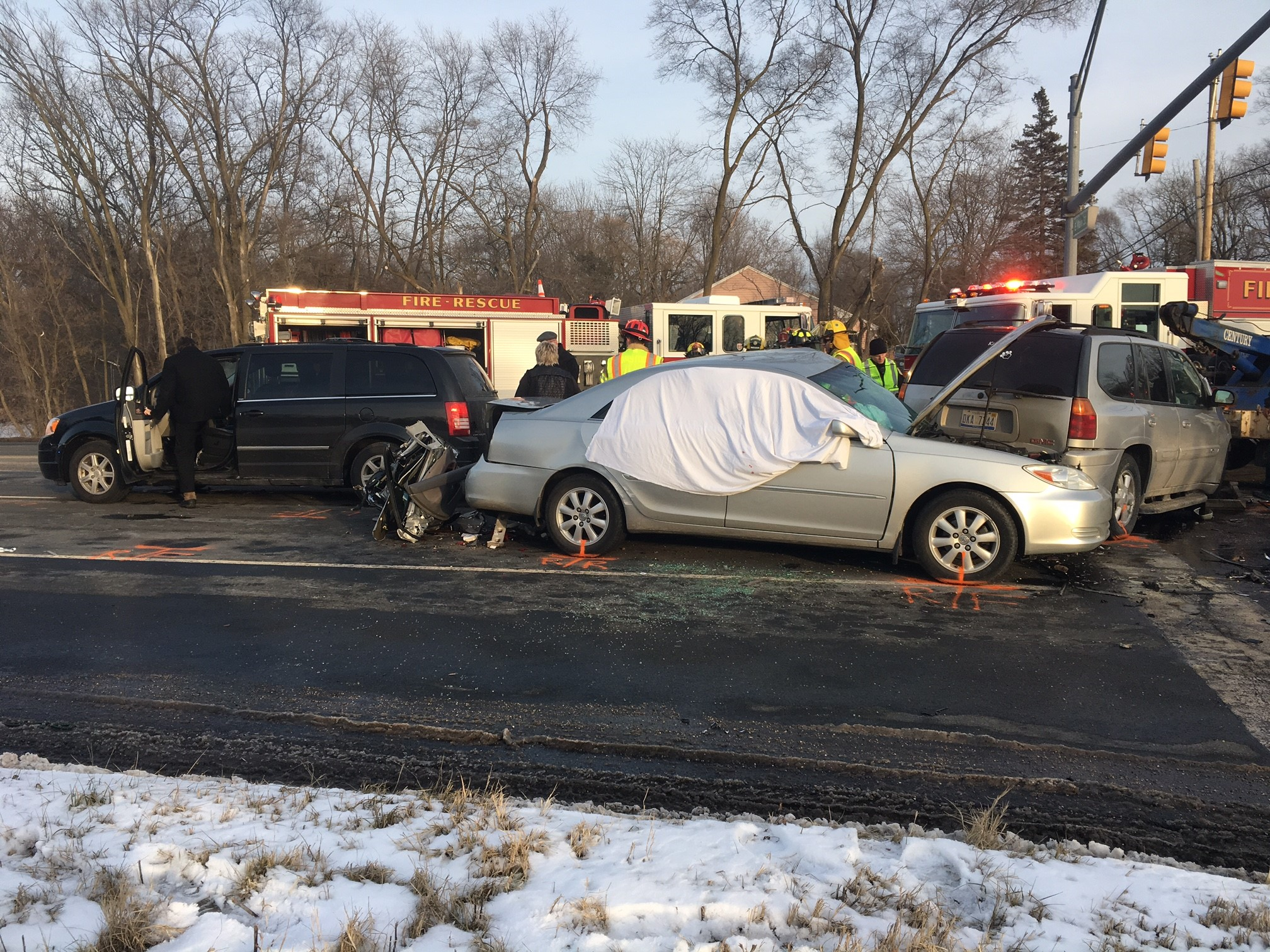 One person died and another is in critical condition following a four-car crash that forced the closure of the intersection of Sprinkle Road and East Main Street. (WWMT/Mike Krafcik)<p><br></p>