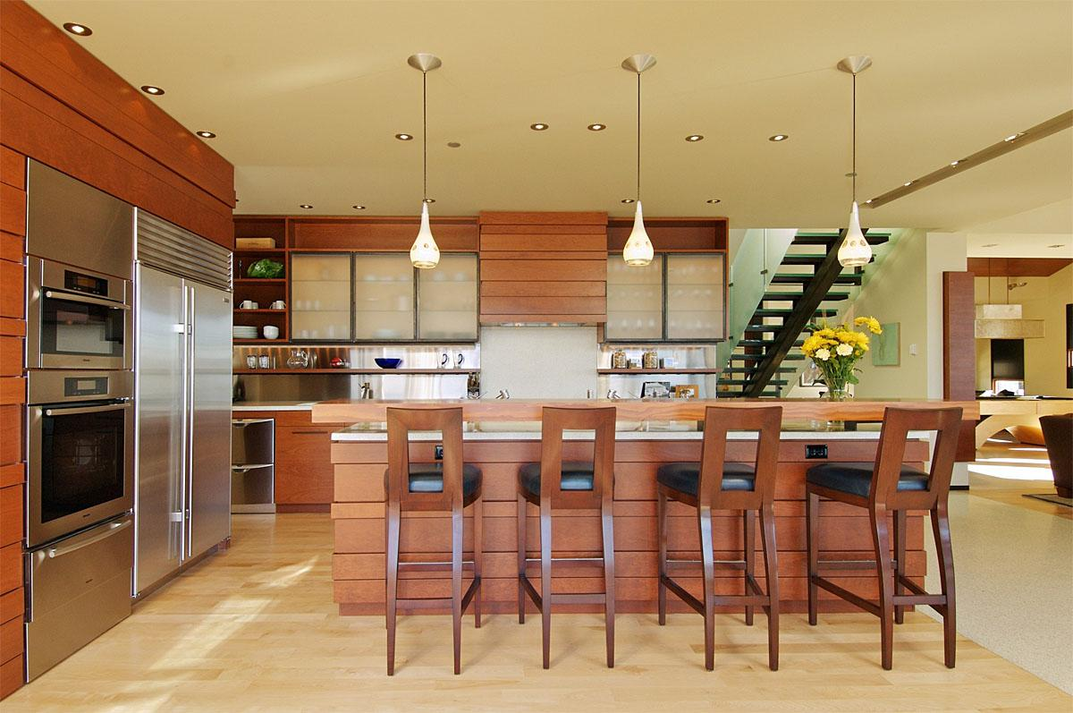 This Kirkland project was completed by Prentiss Architects.    (Image: Holmes Point Remodel / Porch.com)