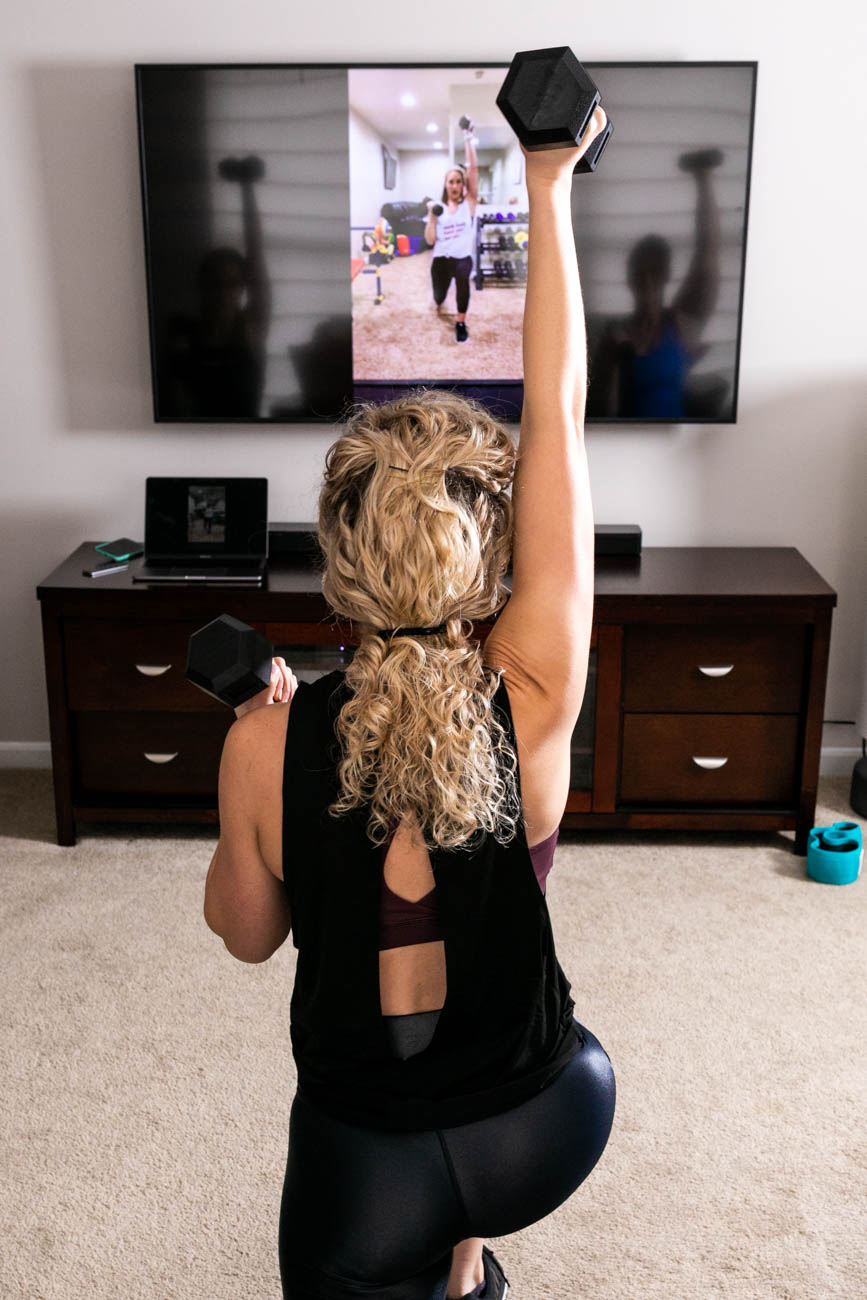The experts behind Fit Mama in 30 acknowledge the struggle and help make it easier for busy moms. They don't apply gym pressure or stressful calorie-counting; instead, they offer convenient and maintainable programs that are perfect for staying on track with fitness goals. / Image courtesy of Fit Mama in 30 // Published: 6.15.19