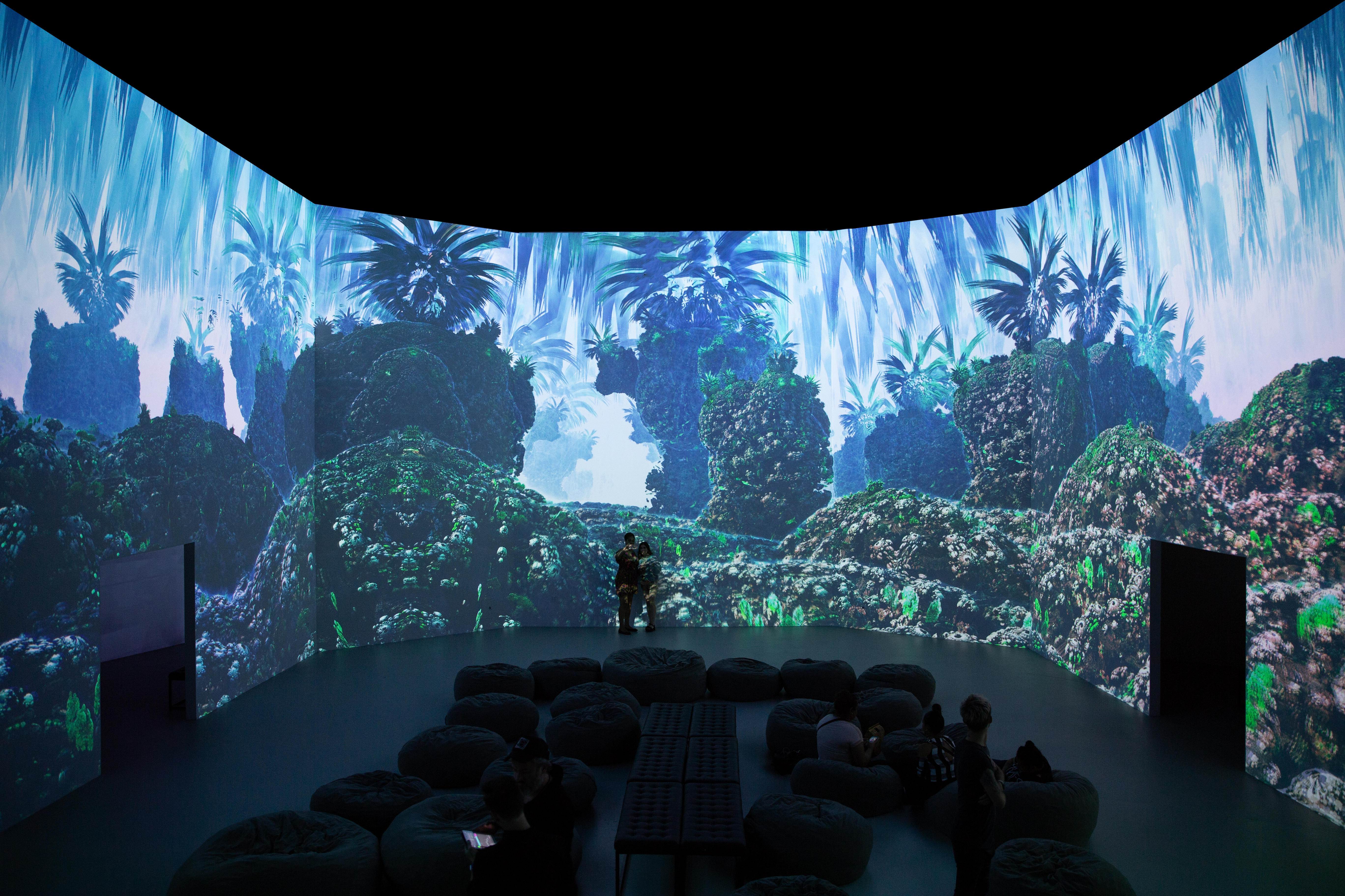 Explore the mind-bending sci-fi worlds and infinite 3D geometric patterns at Fractal Worlds by Julius Horsthuis, a new immersive art exhibition at ARTECHOUSE. (Image: Courtesy ARTECHOUSE)